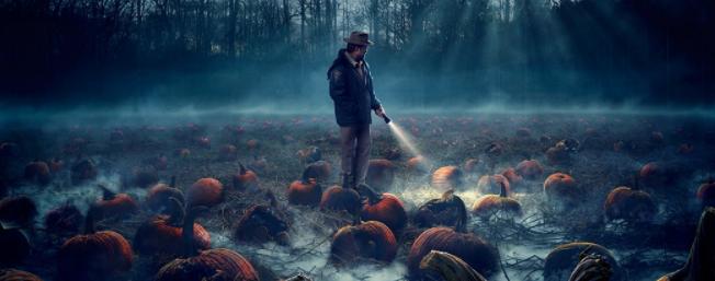 Brume presente dans l'affiche de la saison 2 de stranger things